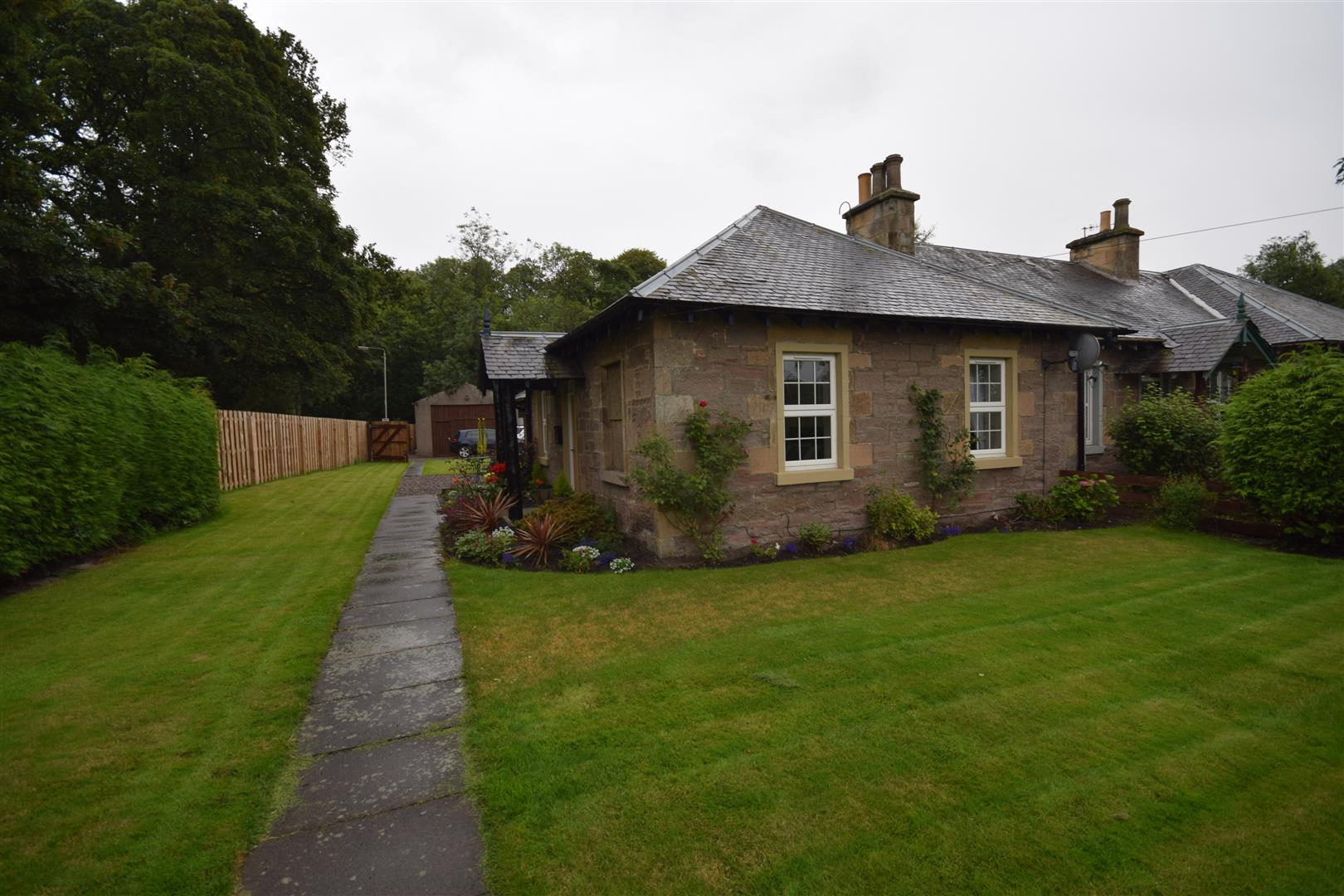1, Waterside Cottage, West Huntingtower, Perthshire, PH1 3JT, UK